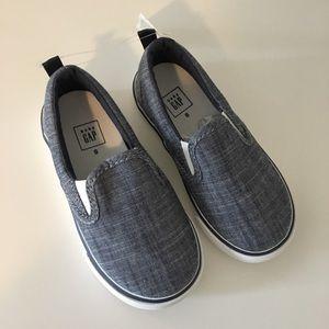 Gap boys chambray slip on sneakers 8
